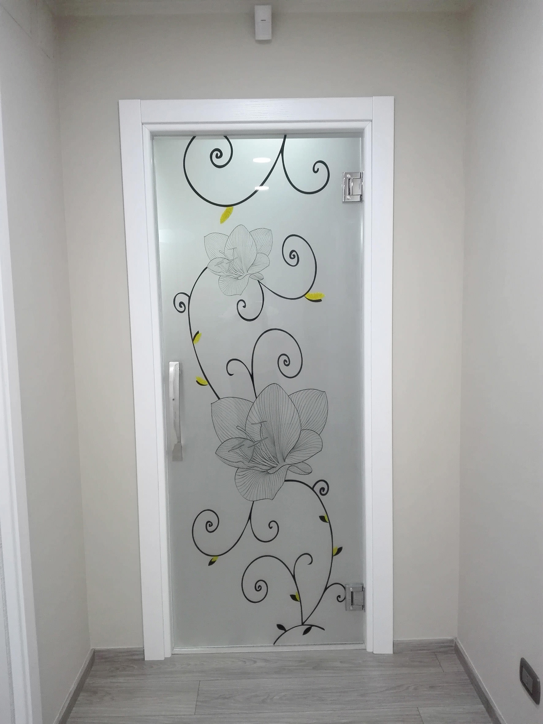 Glass decoration